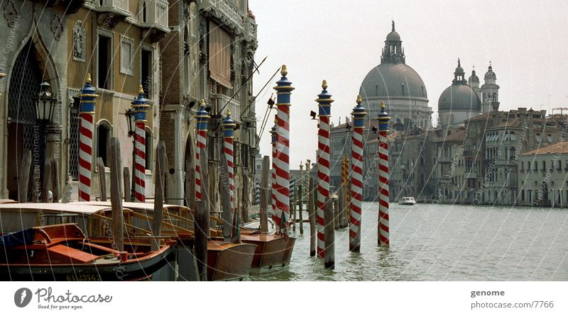 Water Old Architecture Europe Travel photography Italy Historic Landmark Jetty Dome Tourist Attraction Venice Famousness Mediterranean Old town Gondola (Boat)