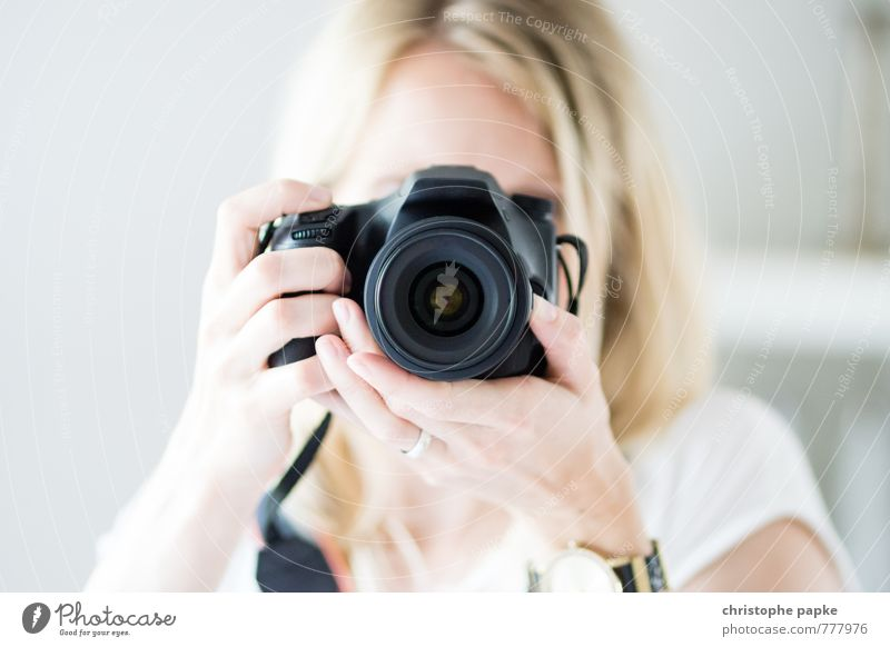 Shot Counter Shot Leisure and hobbies Take a photo Media industry Camera Entertainment electronics Feminine Young woman Youth (Young adults) 1 Human being