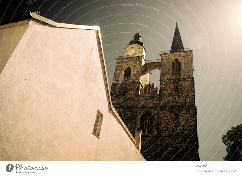 index fingers Cloudless sky Sun Jüterbog Brandenburg House (Residential Structure) Church Manmade structures Building Architecture Church spire Wall (barrier)