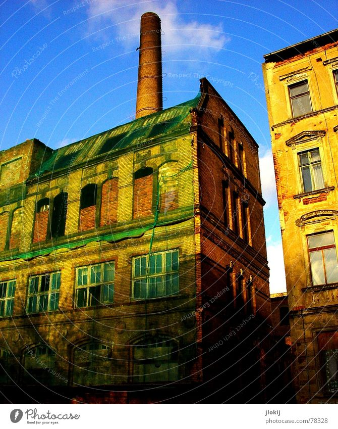 Old Sky Green Blue City House (Residential Structure) Clouds Window Wall (barrier) Building Industrial Photography Broken Net Decline Past Leipzig