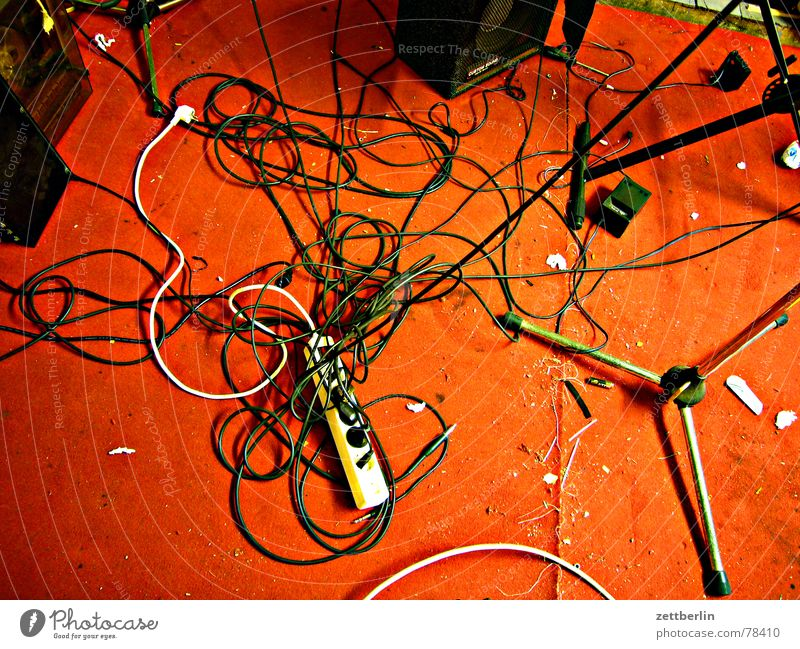 Red Joy Music Rock music Technology Cable Concert String Chaos Muddled Carpet Connector Rock'n'Roll Delivery person Pillar