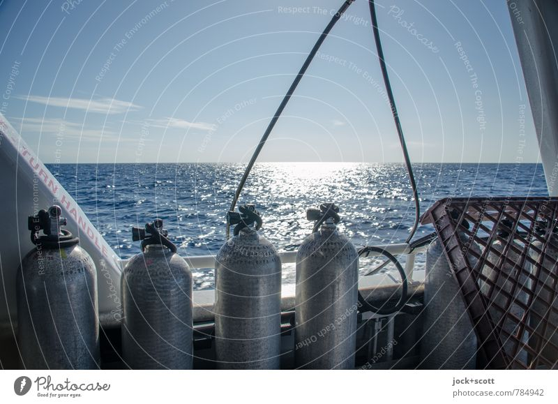 oxygen Expedition Dive Diving equipment Sky Horizon Warmth Ocean Pacific Ocean Australia Boating trip Yacht On board Collection Cable Arch Authentic