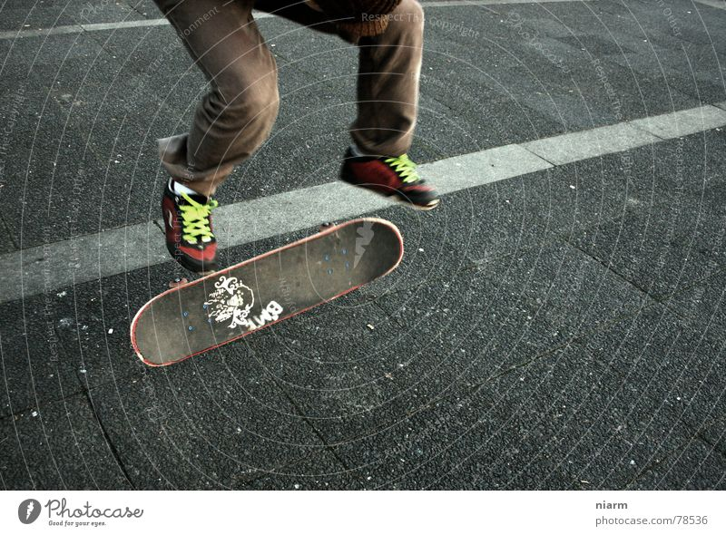 JUMP 1 Kickflip Salto Rotate Driving Jump Hop Beginning Shoelace Knee Expectation Nerviness Exciting Skateboard Asphalt Green Hand Pavement Vehicle Style