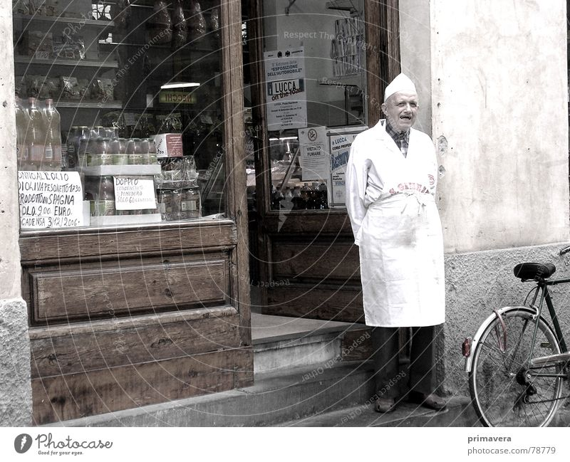 Man Old Vacation & Travel Calm Street Contentment Poverty Europe Italy Gastronomy Store premises Serene Traffic infrastructure Craftsperson Sepia Tuscany