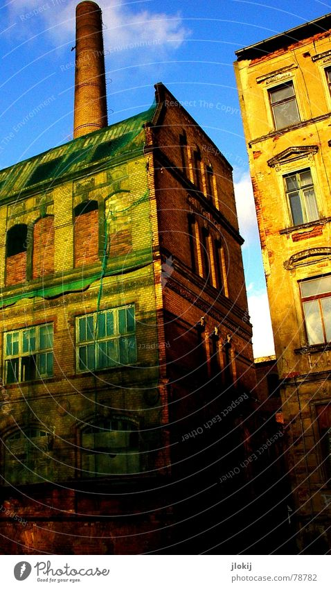 Networked 2 House (Residential Structure) Building Industrial Green Clouds Window Broken Wall (barrier) Decline Town Leipzig Commerce Industrial Photography