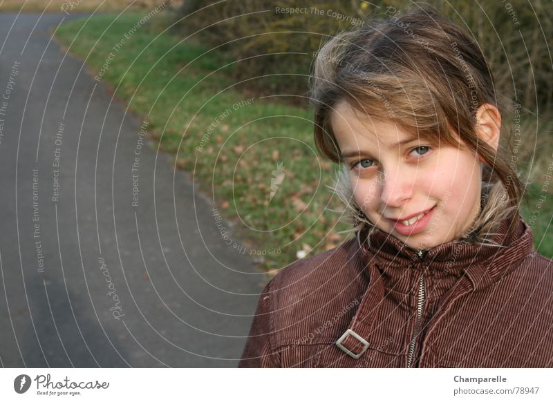 Juliane`s autumn walk Girl Autumn Youth (Young adults) Spontaneous Natural phenomenon Early fall Environment Joy Child To go for a walk Laughter Nature Grinning