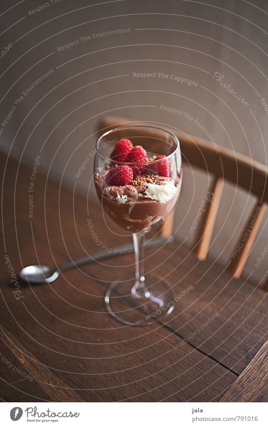 dessert Food Fruit Dessert Candy chocolate pudding Raspberry Nutrition Picnic Vegetarian diet Slow food Glass Spoon Living or residing Flat (apartment) Chair