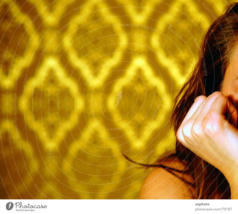 Woman Hand Calm Hair and hairstyles Brown Gold Fingers Electricity Wallpaper Shoulder Seventies Brownish