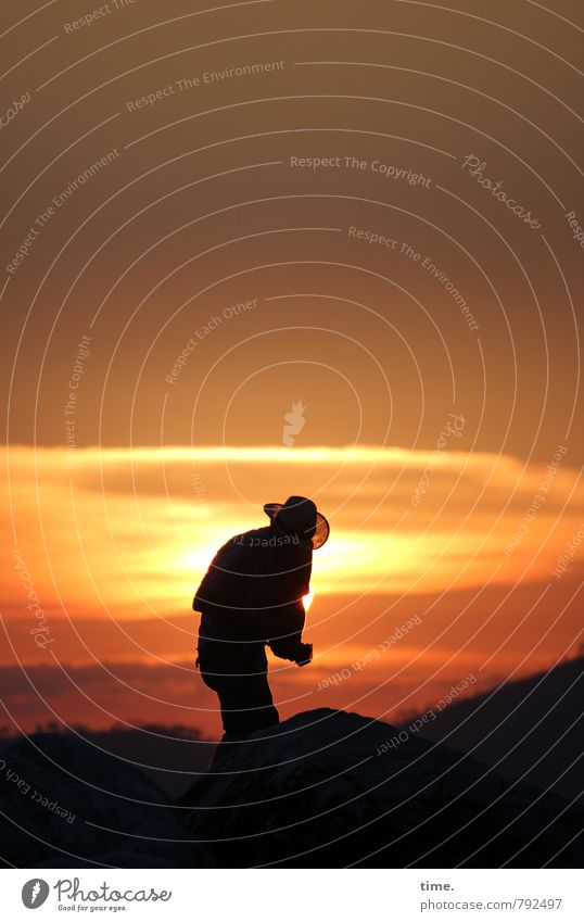 tracker 1 Human being Sky Sun Beautiful weather Coast Hat Observe Stand Relaxation Horizon Idyll Nature Far-off places Moody Tourism Dream Vacation & Travel