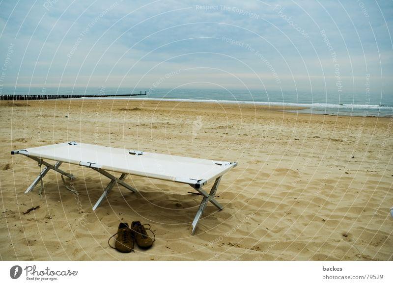 Sky Water Ocean Beach Clouds Sand Coast Lake Waves Footwear Field Leisure and hobbies Rope Bed Footbridge Seagull