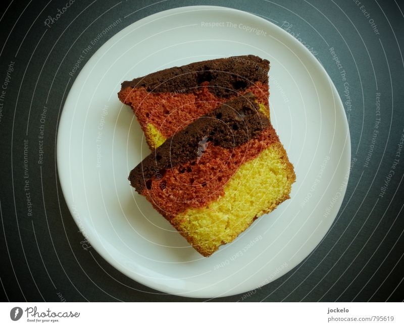 land cake Dough Baked goods Cake Breakfast To have a coffee Buffet Brunch Banquet Picnic Coffee Plate Diet To feed Feeding Good Trashy Yellow Red Black White