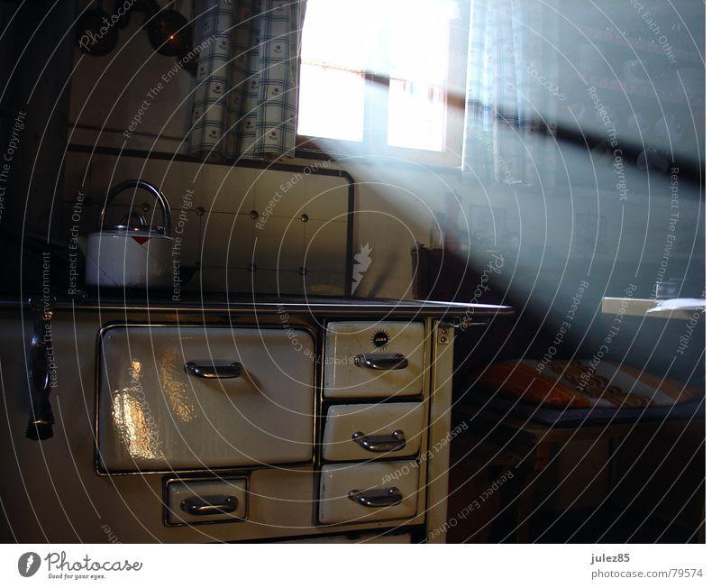 10:19 Teapot Wood Light Window Cold Sunbeam Morning Mountain Blaze Hut Stove & Oven