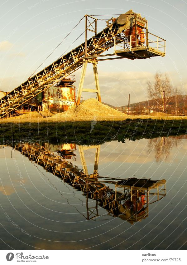 Water Work and employment Crazy Industry Construction site String Diagonal Puddle Symmetry Tilt Conveyor belt Subsidy Gravel pit