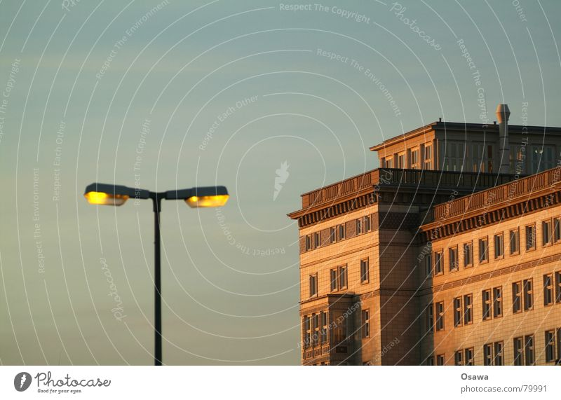 Sky House (Residential Structure) Berlin Architecture Building Lighting Flat (apartment) Living or residing Manmade structures Lantern Street lighting GDR