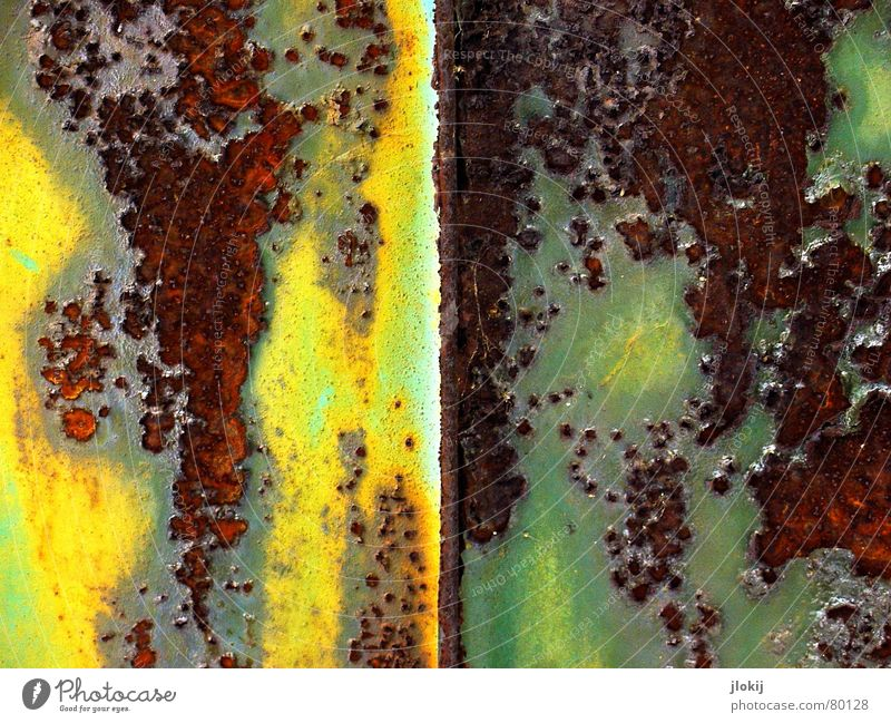 Oxidation I Oxygen Air Yellow Green Flake off Corner Wall (building) Brown Rust Iron Steel Junk goods Oxidizing agent Scrap metal Transience electrons