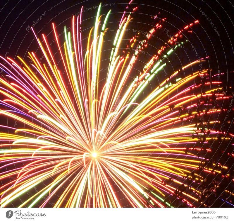Dark Movement Bright Feasts & Celebrations Blaze Star (Symbol) New Year's Eve Hot Firecracker Multicoloured