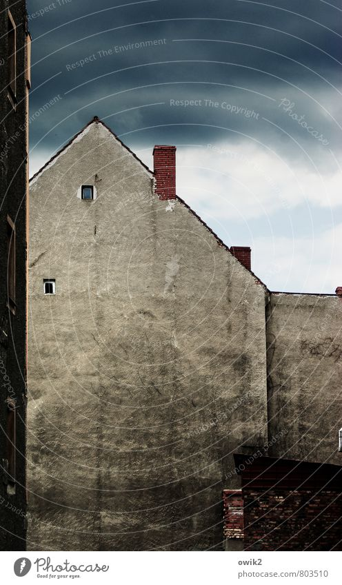 Zgorzelec Storm clouds Poland Eastern Europe House (Residential Structure) Wall (barrier) Wall (building) Facade Window Chimney Old Trashy Town Loneliness