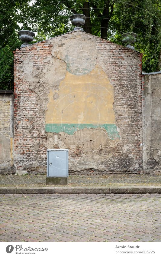 Sky City Old Summer Tree Street Wall (building) Architecture Berlin Background picture Wall (barrier) Moody Dirty Authentic Broken Historic