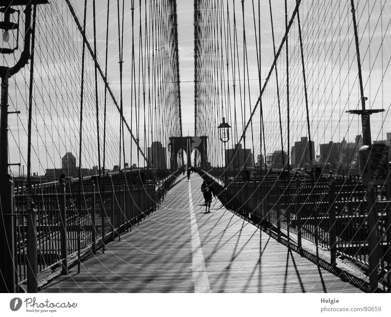 Sky Street Brooklyn Lanes & trails Architecture Perspective Bridge Tunnel Lantern Human being New York City Pedestrian Wire cable Brooklyn Bridge