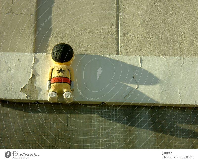 Wall (building) Style Art Creativity Extraterrestrial being Astronaut Friedrichshain Arts and crafts  Scientist