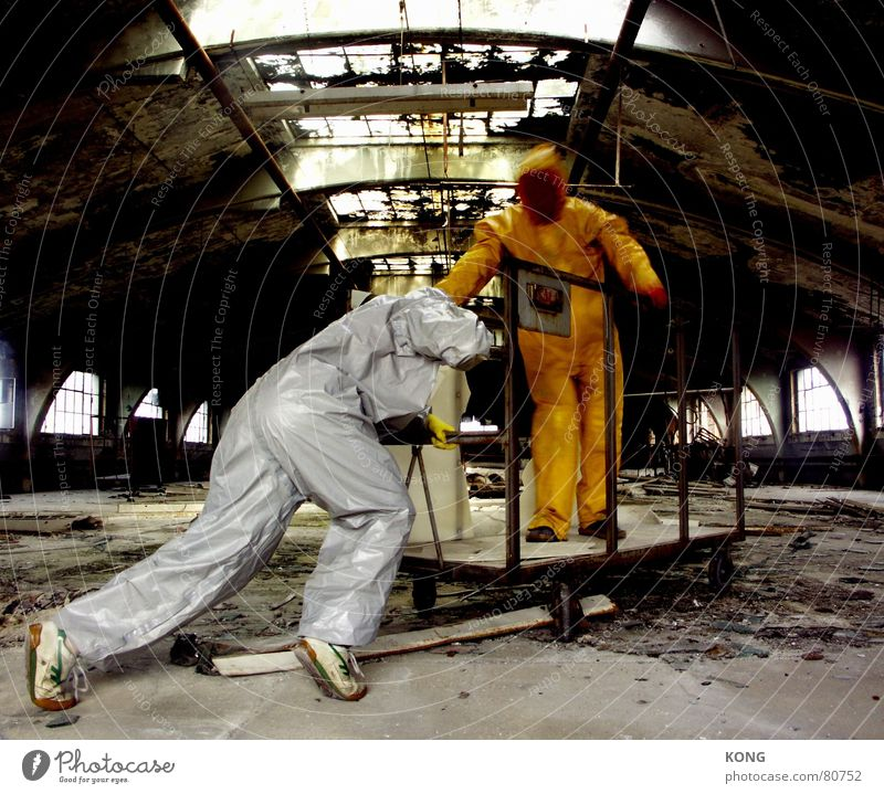 grau™ pushes gelb™ Push Subordinate Slave labor Gray-yellow Yellow Going Suit Protective clothing Logistics Decline Shadow Warehouse Pushing Working clothes