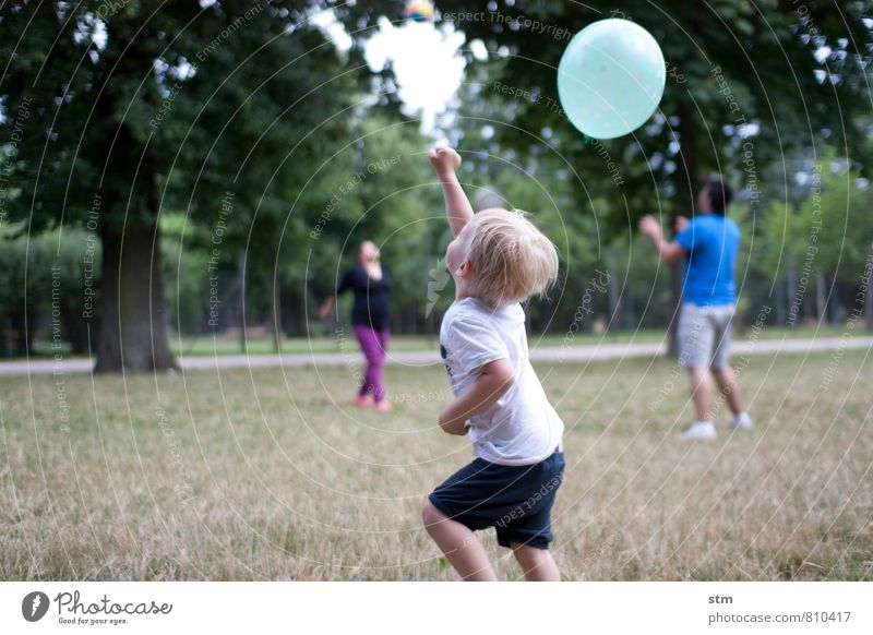 Human being Child Summer Landscape Joy Life Emotions Meadow Boy (child) Playing Happy Park Leisure and hobbies Family & Relations Infancy Happiness
