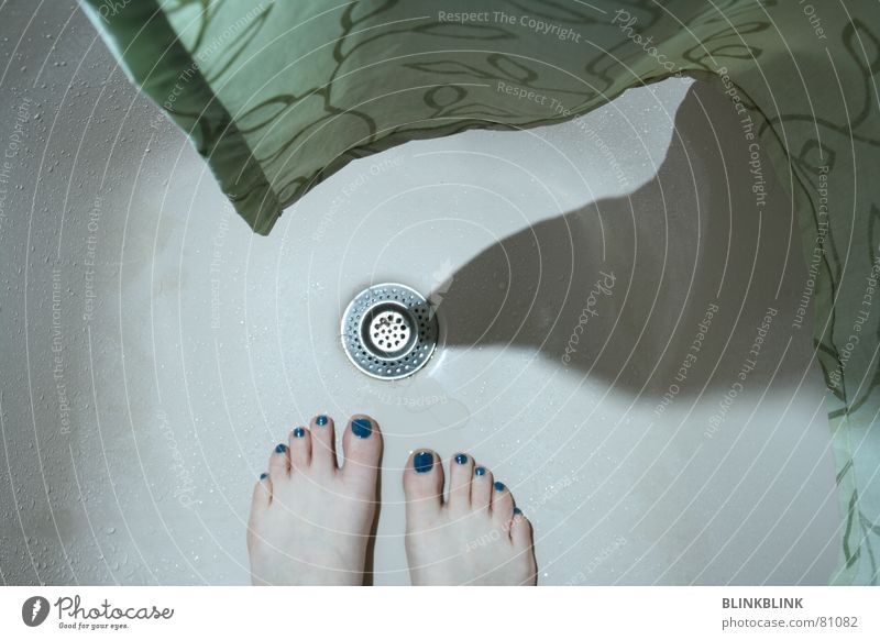 Blue Water Green Beautiful Hair and hairstyles Feet 2 Lighting Esthetic In pairs Round Illustration Drop Wellness Image Cleaning