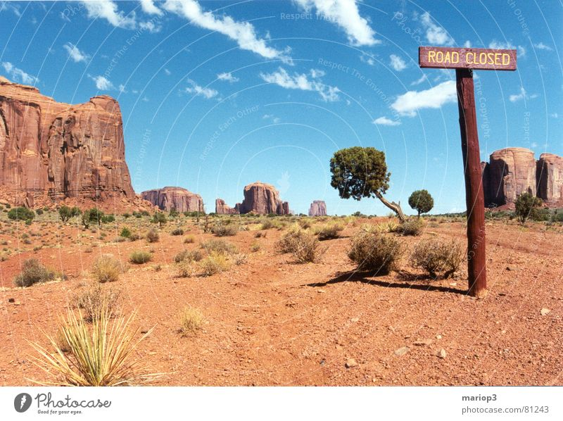 Monument Valley Americas Exterior shot Beautiful Utah USA Friendliness Badlands Signage Desert dust road Freedom red sand Beautiful weather