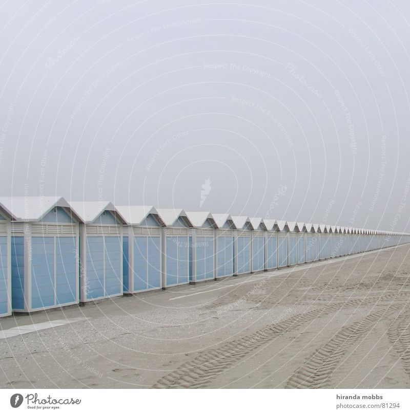 Lido Venice Changing room Clear Beach Loneliness Tracks Fog Deserted Skid marks Bad mood Far-off places Remote Beige Shroud of fog Doomed Badlands Sandbank