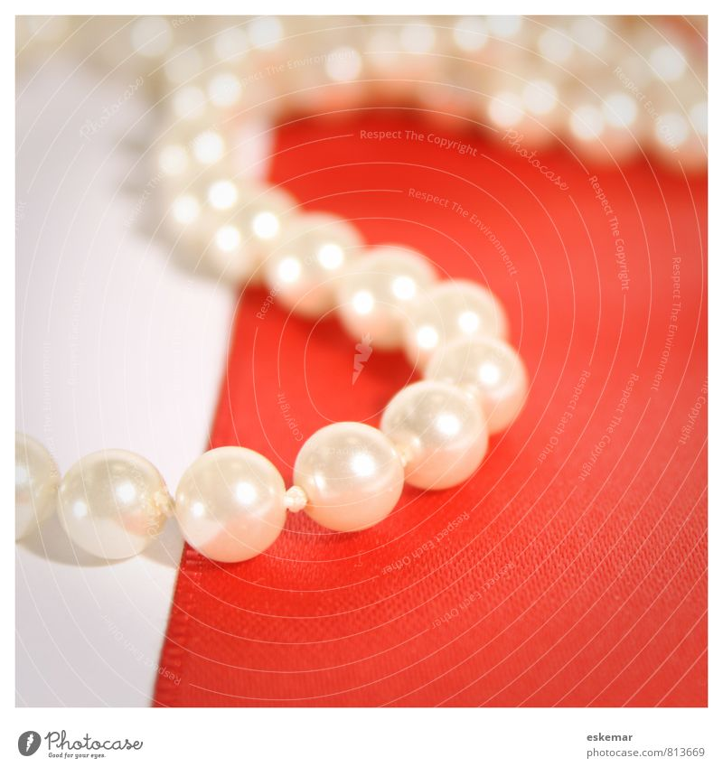 pearl necklace Luxury Accessory Jewellery Chain Necklace Pearl necklace Glittering Lie Esthetic Beautiful Red White Nostalgia Quality Square Frame edge framed