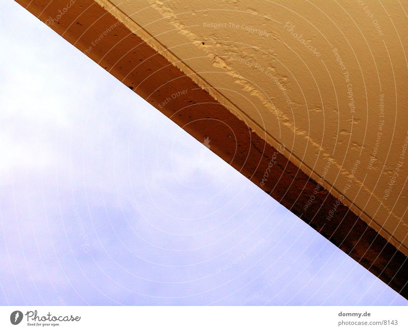 the edge Corner House (Residential Structure) Roof Architecture Sky