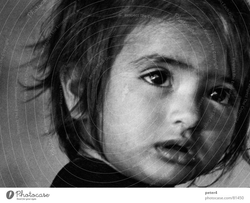 Moments2 Foreign Analog Child Refugee Human being Eyes Marvel Black & white photo Snapshot