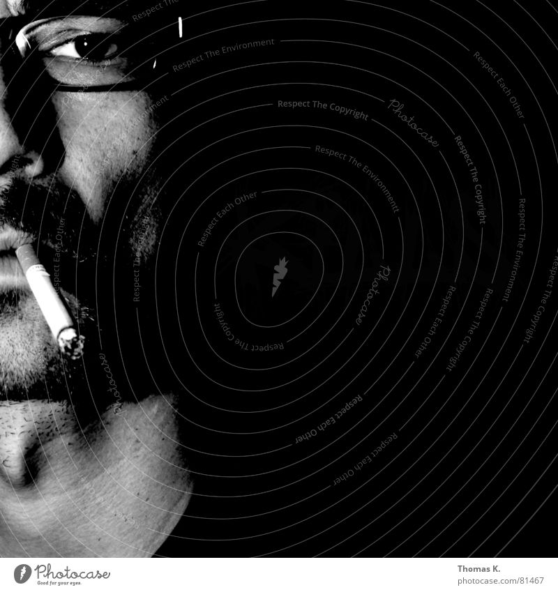 Tuxedo (oder™:Kills) Tobacco products Pulmonary disease Portrait photograph Black Cigarette Eyeglasses Lung Larynx Light Cancer Man Black & white photo