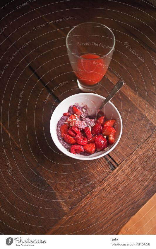 müsli Food Fruit Grain Cereal Strawberry Nutrition Breakfast Organic produce Vegetarian diet Beverage Cold drink Juice Bowl Glass Spoon Healthy Eating Fresh