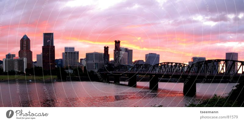Burning Skyline Town Drawbridge Red Building High-rise Panorama (View) Sunset Blaze Oregon Portland USA Bridge River Water hawthorne bridge multistory