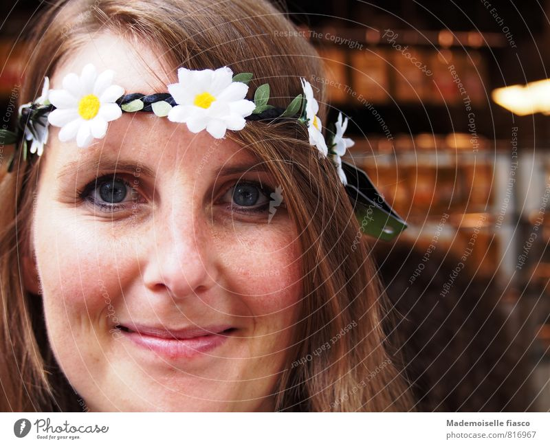 Flower child I Style Joy Happy Beautiful Face Life Well-being Contentment Feminine Young woman Youth (Young adults) 1 Human being 18 - 30 years Adults Blossom