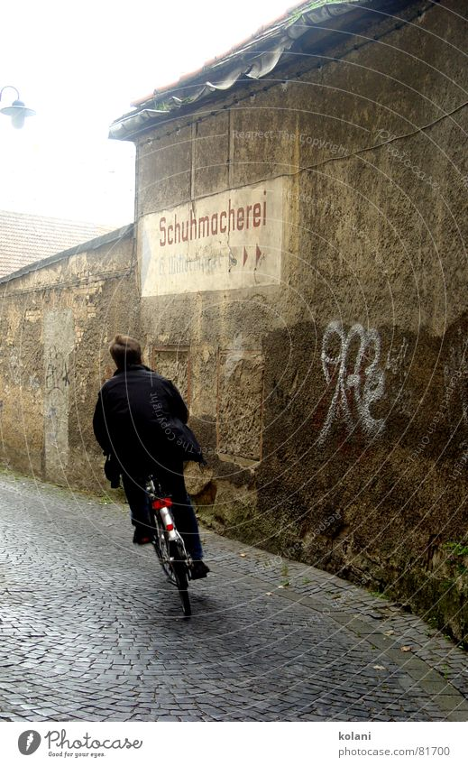 left bend Weimar Bicycle Gray Brown Black Red Speed Plaster Transport cobblestone shoemaking Silhouette Curve Freedom Haste Graffiti Cycling