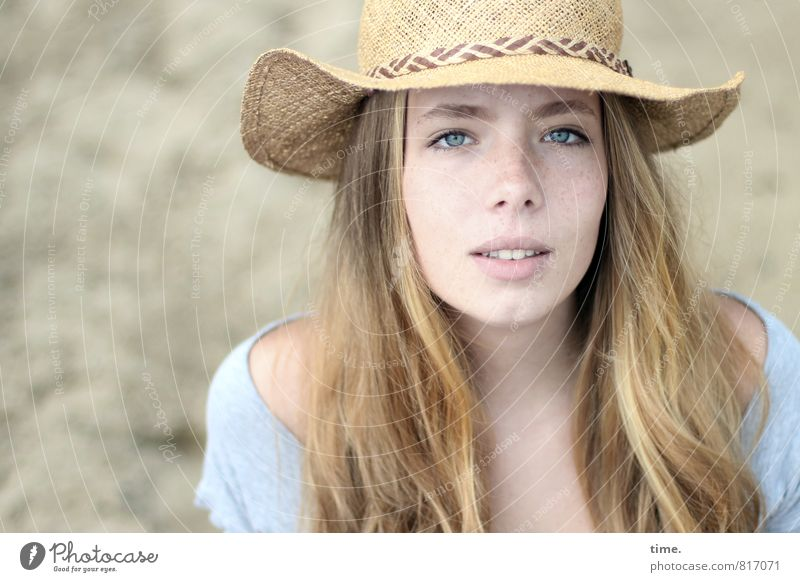 Nelly Beautiful Feminine 1 Human being Hat Blonde Long-haired Observe Looking Natural Curiosity Emotions Moody Sympathy Romance Watchfulness Life Relationship
