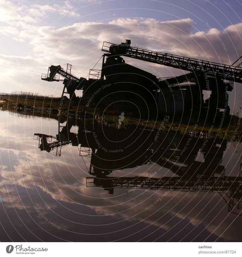 Water Work and employment Crazy Industrial Photography Construction site String Diagonal Puddle Symmetry Tilt Conveyor belt Subsidy Gravel pit