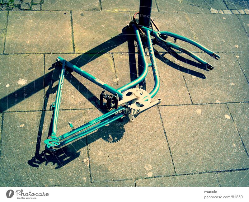 Loneliness Bicycle Safety Leisure and hobbies Trash Sidewalk Direct Parking Motionless Frame Bleak Remainder Forget Theft Scrap metal Obstinate