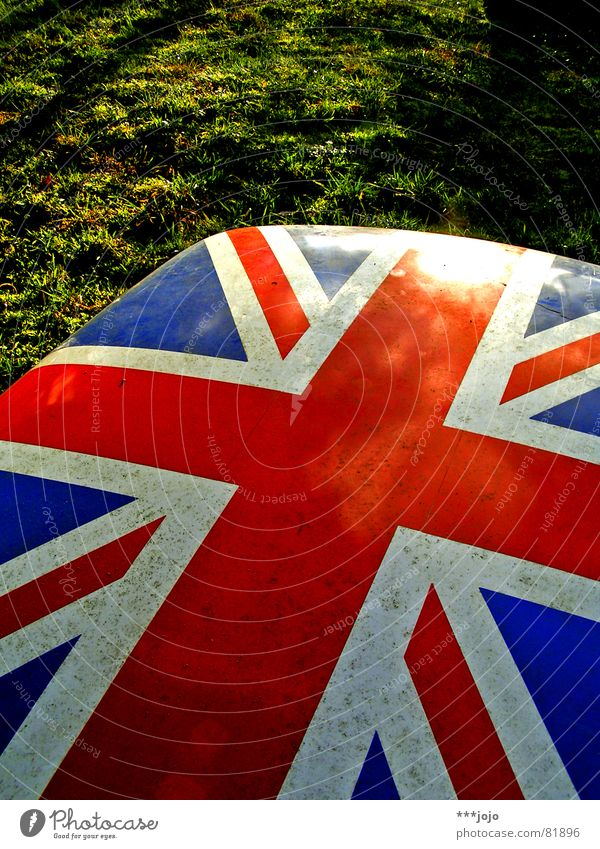 Sun Green Blue Red Colour Meadow Grass Park Lighting Power Small Signs and labeling Europe Might Island Lawn