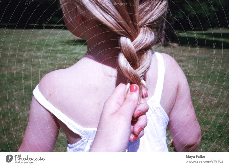 braid hair Hair and hairstyles Nail polish Child Toddler Girl Mother Adults Infancy Back 1 - 3 years 3 - 8 years Responsibility Bond Braids Summery Meadow