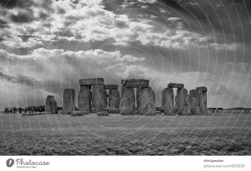 Stonehenge Vacation & Travel Tourism Trip Sightseeing Summer vacation Work of art Sculpture Stage play Stone circle Environment Nature Landscape Elements Clouds