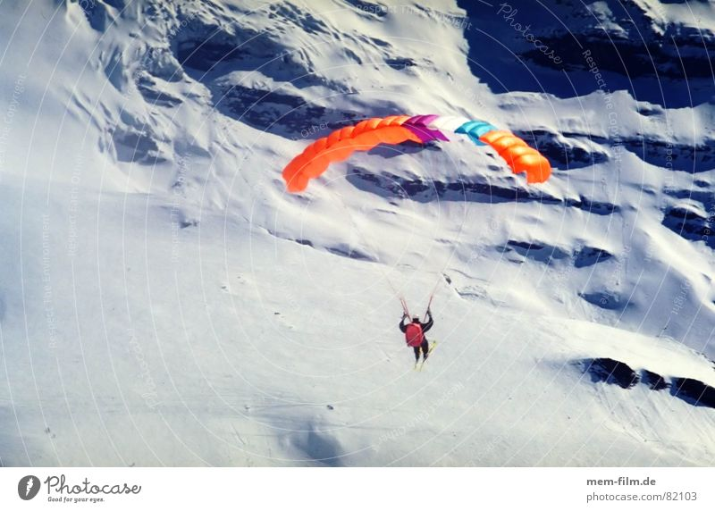 freedom Winter sports Paraglider Glide Leisure and hobbies Sports Paragliding Flying sports Aircraft Freedom Skier Judder Grindelwald Eiger Funsport