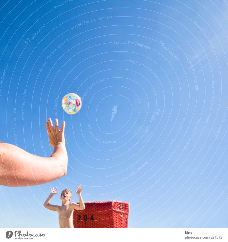 Beach Boy (child) Playing Joie de vivre (Vitality) Ball Throw