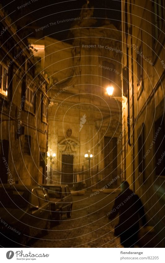 roma sinistra Rome Italy Night Dark Alley Light Loneliness Sleep Chamber pot Architecture Shadow Fear
