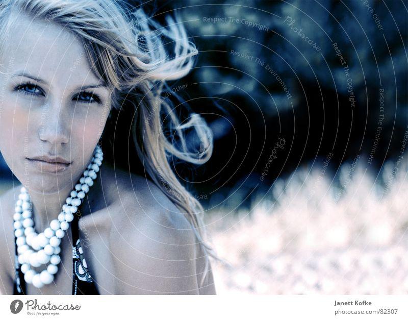 Anne Summer Air suntan Wind Hair and hairstyles Fashion