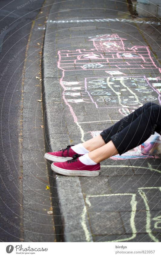 streetworker Leisure and hobbies Playing Girl Young woman Youth (Young adults) Legs 1 Human being Street Curbside Sidewalk Sneakers Casual clothes Chalk drawing
