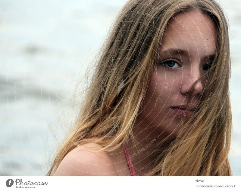 Nelly Feminine Young woman Youth (Young adults) 1 Human being Water Waves Blonde Long-haired Observe Think Looking Dream Dark Beautiful Emotions Watchfulness