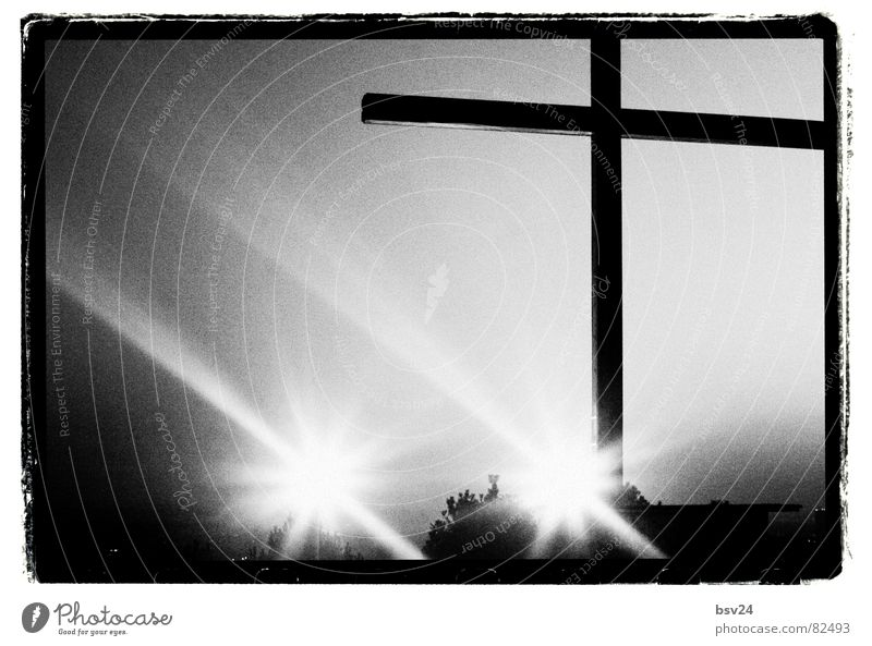 cross Protestantism Religion and faith Catholicism Shaft of light Sky Diffused light Reflection Knight Black & white photo Back Contrast Canopy of stars